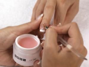Hacer uñas de porcelana en casa