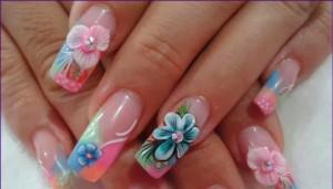 Uñas-extra-largas-con-flores